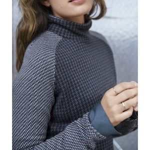 Lou & Grey Sweaters - Lou & Grey 🌵 Houndstooth Mockneck Popover Sweater